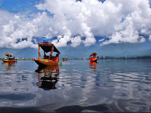 Kashmir Heaven on Earth Photos
