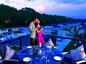 Romantic Honeymoon Trip in Manali Photos