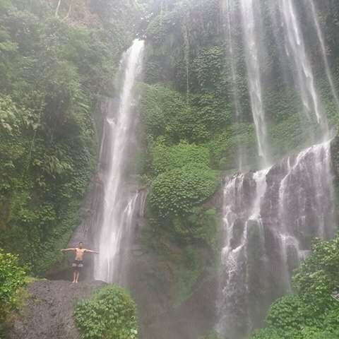 Sekumpul Waterfall Trekking Photos