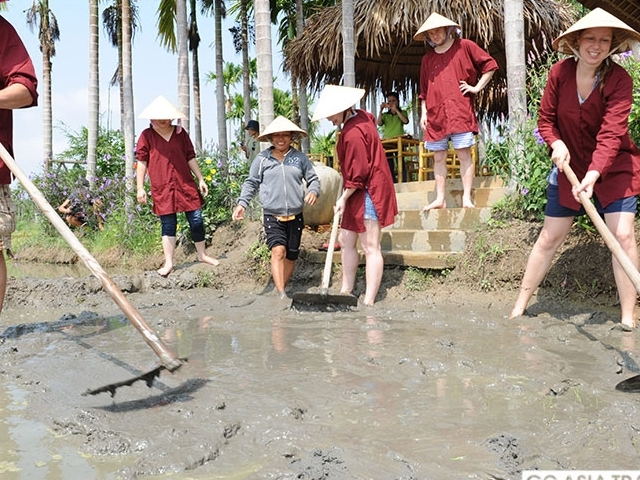 Jacktranecotours - Rice Planting & Fishing Photos