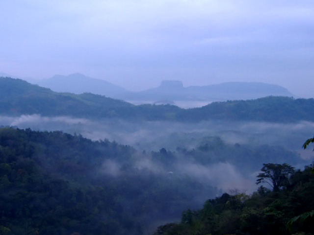 Hiking and Adventures Holiday in Sri Lanka Photos