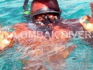 Snorkeling Trip: Private Glass Bottom Boat Around Gili Islands Photos