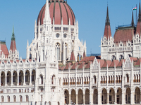 Hire A Personal Tourist Guide In Budapest For Sightseeing In Russian And English Languages.