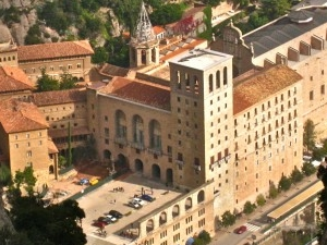 Montserrat & Wine Country Day Trips