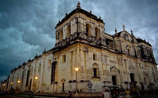Leon Viejo & Metropolitan City Photos