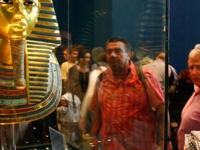 Day Tour to Giza Pyramids and Egyptian Museum Photos
