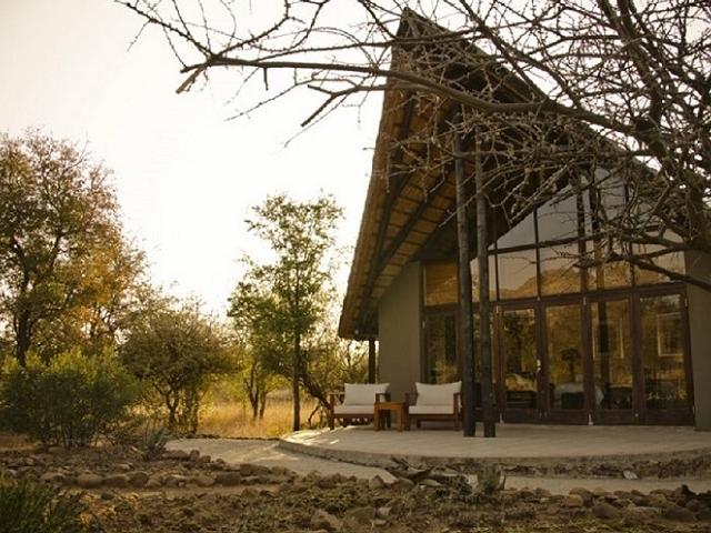 Morokolo Game Lodge Tour in Pilanesberg Reserve Photos