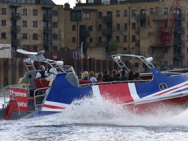 Thames Monsta: the Fastest Premium Jet Boat Ride on the Thames Photos