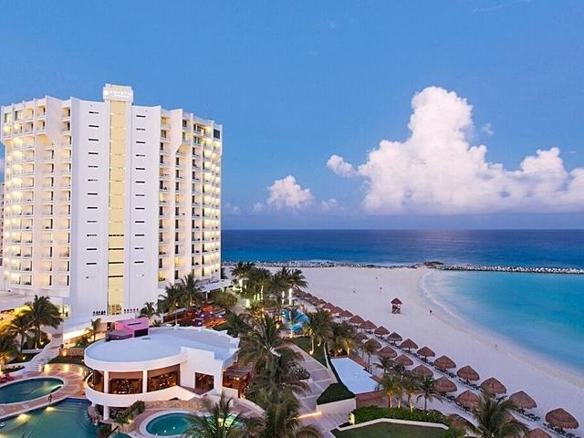 Krystal Grand Punta Cancun Photos