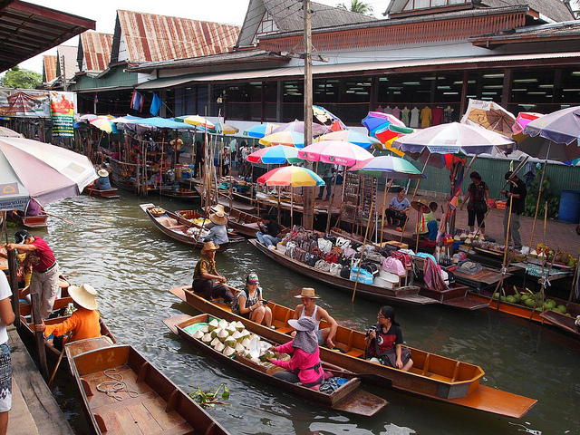 Private Excursion to Maeklong and Damnoensaduak Floating Markets Photos