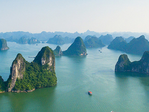 10 DAYS EXPLORE HIGHLIGHT OF NORTH AND CENTRE VIETNAM PACKAGE TOUR Photos