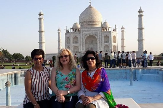 Taj Mahal at Sunrise And Agra Tour From Delhi Photos
