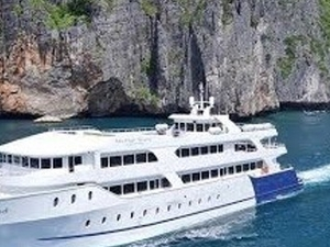 PHUKET: Join Tour Phi Phi Island by Luxury Boat with Lunch Fotos