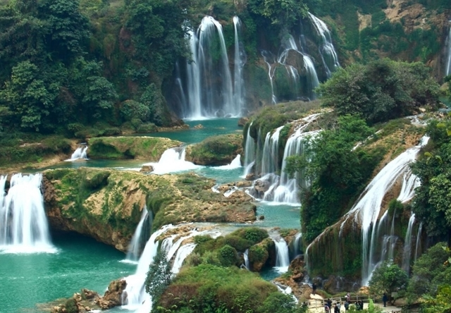 Ban Gioc Waterfall & Ba Be Lake Photos