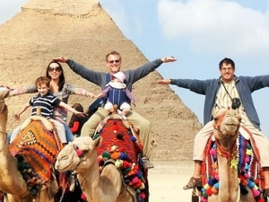 Giza Pyramids, Memphis and Sakkara Day Trip
