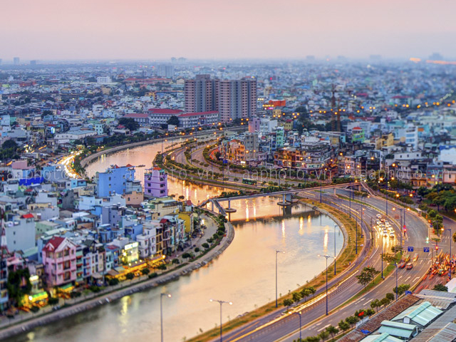 Ho Chi Minh Tour: Shopping, Eatings and Culture Photos