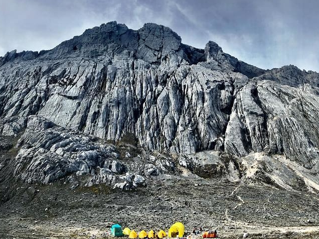 Carstensz Pyramid with Helicopter Photos