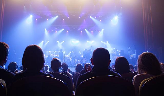 "Branson, MO: ""Legends in Concert"" Photos"
