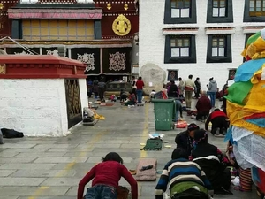 Tours and Travel in Tibet Photos