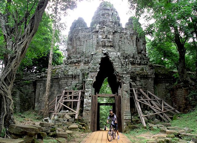 Cambodia Cycling Tours Photos