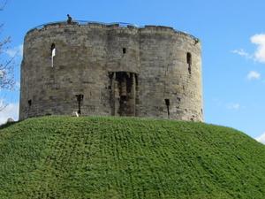 5-Day Best of Britain Tour: Edinburgh, Stonehenge, York, Bath, and Cardiff from London Photos