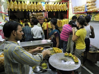 Eat Like a Local: Mumbai Street Food Tour by Night Photos