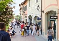 Florence Shopping Tour: Barberino Designer Outlet Photos