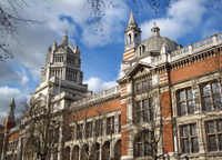Private Tour: London Walking Tour of Apsley House and the Victoria and Albert Museum Photos