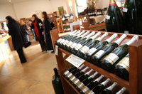 Small-Group Kumeu Wine Country Tour from Auckland